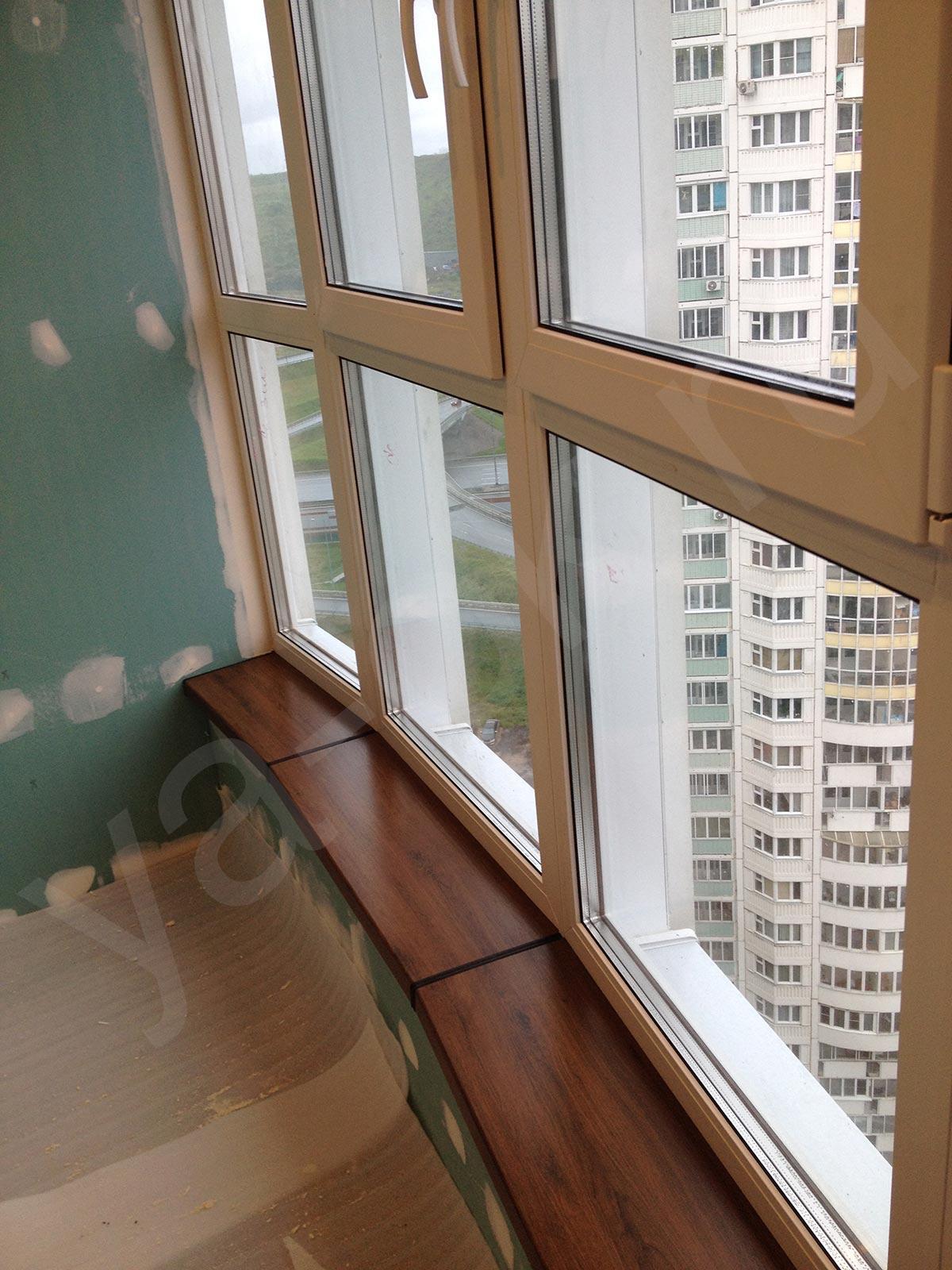 Остекление и отделка балкона копэ парус.